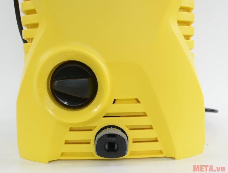Đầu nước ra của máy rửa xe Karcher K2 Compact Car