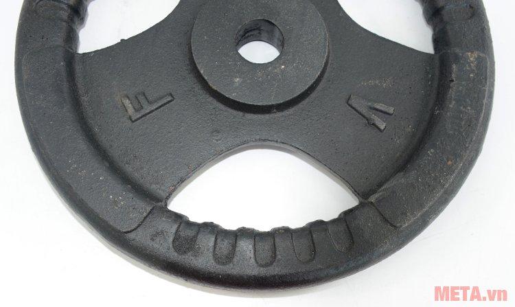 Tạ đĩa gang 10 kg thiết kế những vị trí cầm có gờ nổi tăng độ ma sát