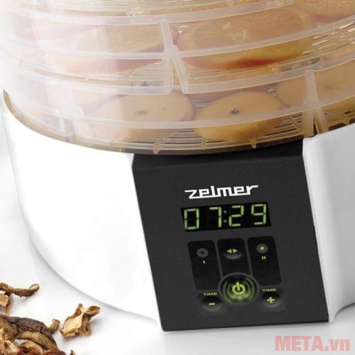 Máy sấy thực phẩm Zelmer ZFD2350W trang bị điều khiển dễ sử dụng