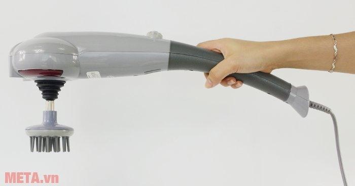 Máy massage cầm tay Maxcare MAX-631A thiết kế tay cầm nhỏ gọn, cầm nắm vừa tay