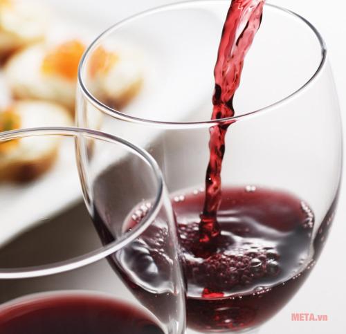 Với tủ rượu Kadeka những ly rượu của bạn sẽ giữ được nguyên hương vị