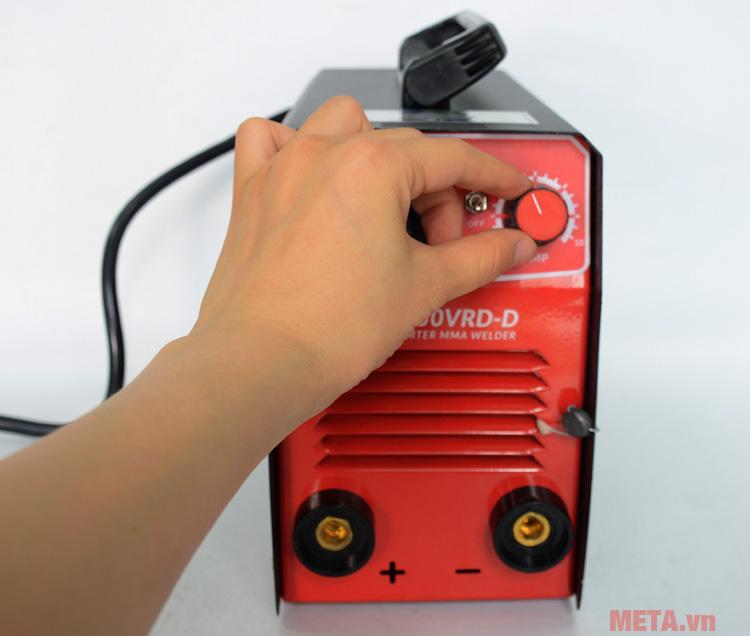 Núm điều chỉnh cường độ dòng điện