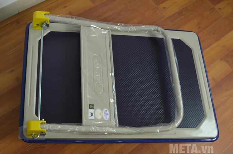 Xe đẩy hàng Sumo HB-210C có thể gấp lại gọn gàng khi không dùng