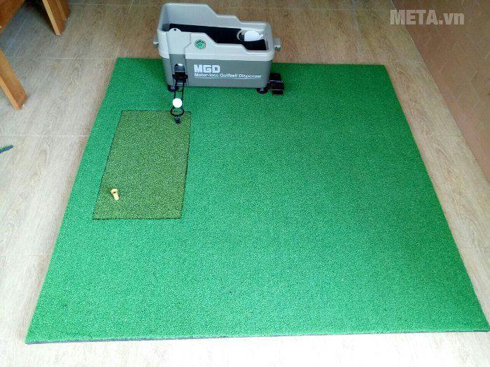 Máy đặt bóng lên tee MGD bán tự động TBG15 có thiết kế chuyên nghiệp