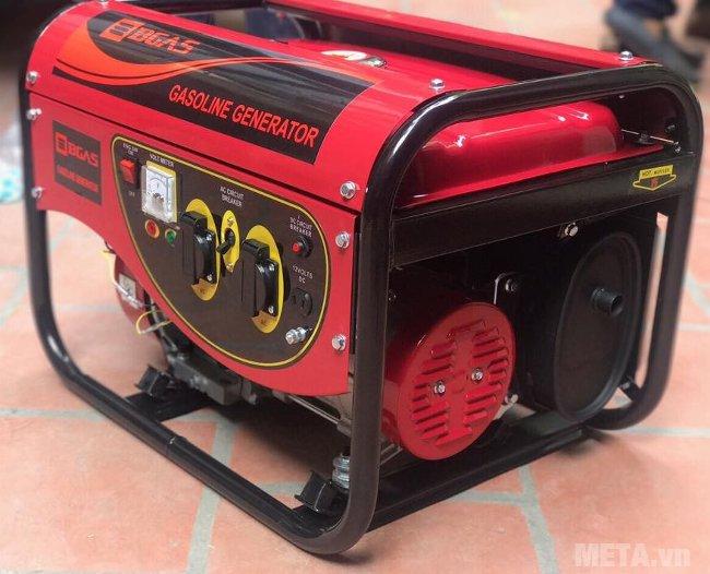 Máy phát điện chạy xăng Bgas BGA2500G màu đỏ