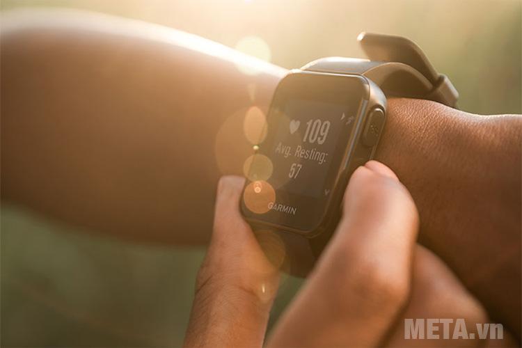 Vòng đeo tay Garmin Forerunner 35 có khả năng đo nhịp tim