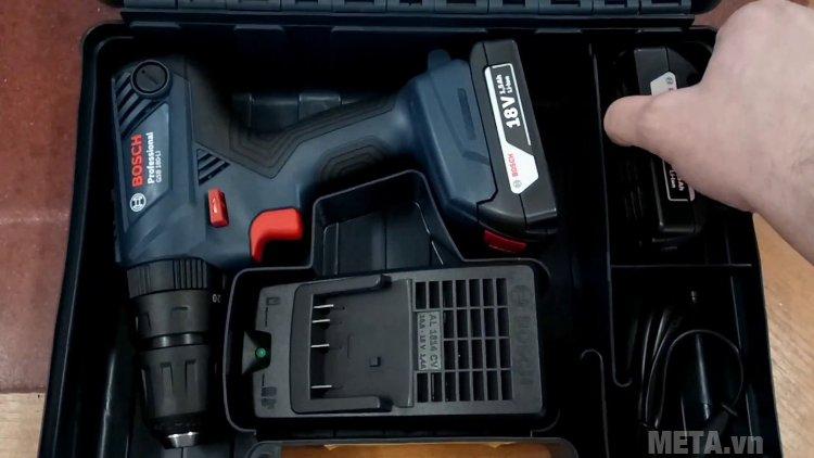 Máy khoan vặn vít dùng pin Bosch GSR 180-Li có hộp nhựa bảo quản máy