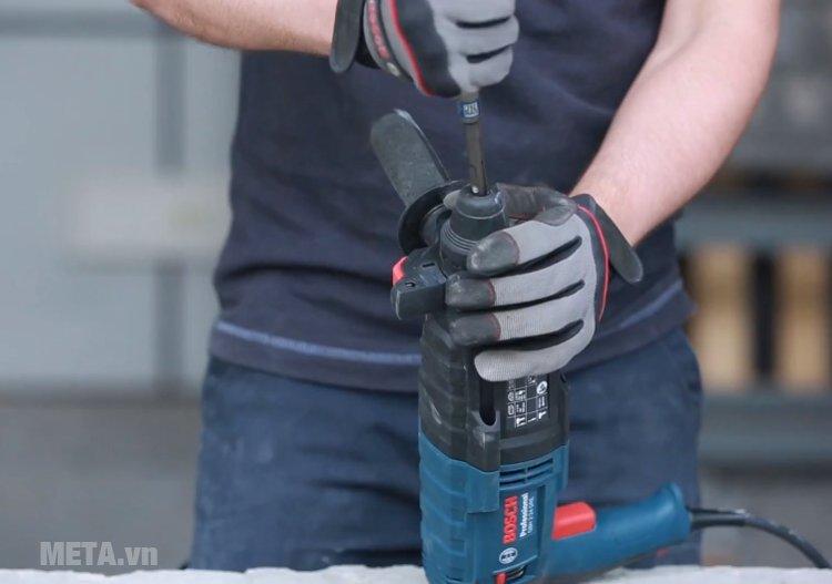 Máy khoan búa Bosch GBH 2-24 DRE dùng đầu cặp SDS-plus