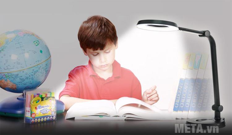 Đèn bàn led Hàn Quốc cảm ứng Prism 6300GR bảo vệ đôi mắt của bạn