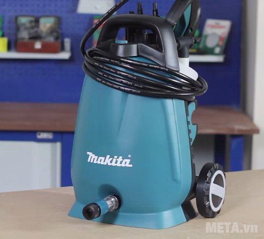 Máy xịt áp lực cao Makita HW102 có thể quấn gọn dây cao áp lên thân máy