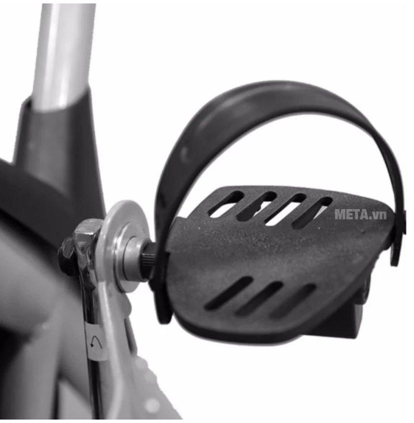 Xe đạp tập thể dục Air Bike với bàn đạp chắc chắn