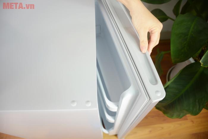 Tay cầm chắc chắn giúp bạn mở tủ dễ dàng