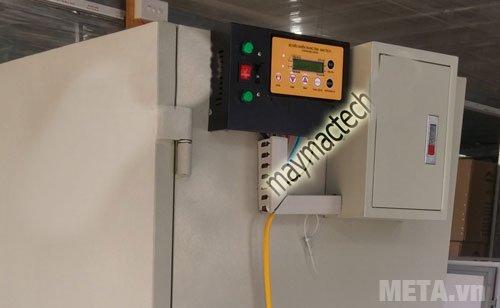 Bảng điều khiển của máy sấy thực phẩm công nghiệp Mactech MSD2000 Bảng điều khiển của máy sấy thực phẩm công nghiệp Mactech TS2000