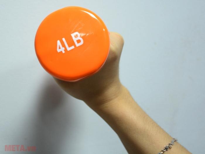 Tạ tay thép bọc cao su Life 4LB luôn tạo sự thoải mái cho người tập