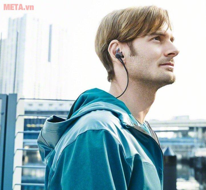 Tai nghe Sony MDRAS800AP có trọng lượng 9g đeo rất thoải mái