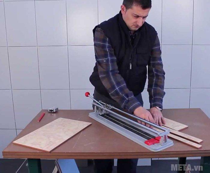 Máy cắt gạch để bàn cho tốc độ cắt gạch hiệu quả