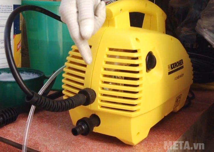 Máy phun rửa áp lực Karcher K2 420 dùng mô tơ từ hoạt động siêu êm