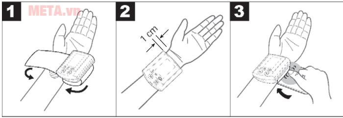 Khoảng cách đo: vòng bít cách 1cm so với cổ tay và siết chặt tương đối