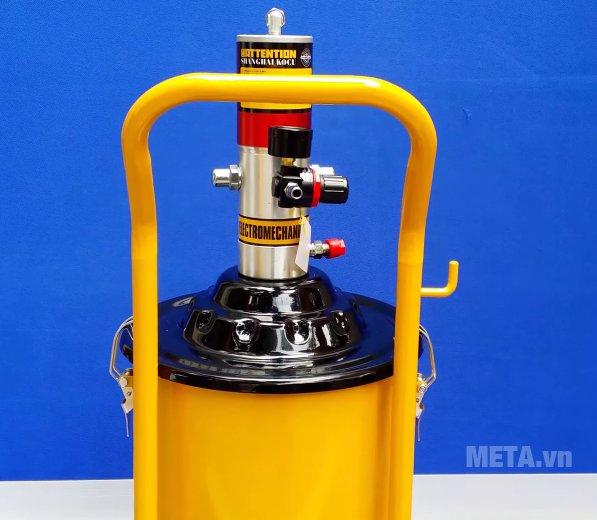 Máy bơm mỡ khí nén Kocu GZ-10 màu vàng