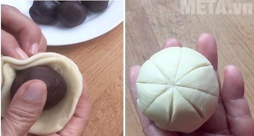 Bạn tạo hình cho bánh như hình trên để khi dán bánh có hình đẹp