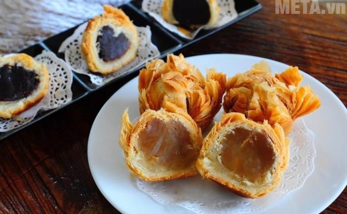 Bánh trung thu rán có vị thơm ngon và vị hấp dẫn không kém bánh trung thu nướng