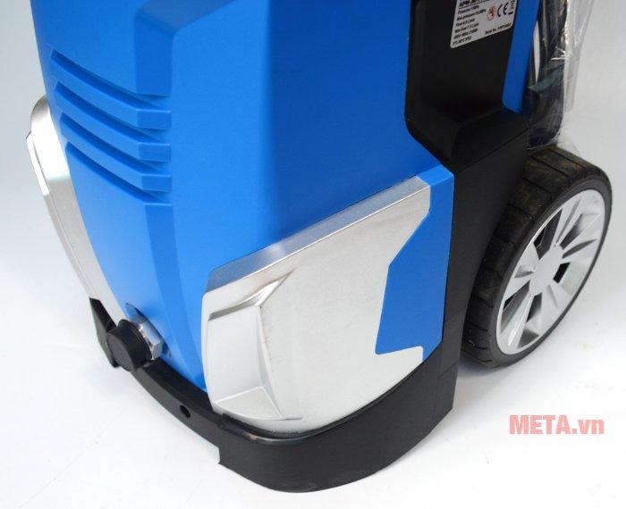 Máy rửa xe Jakcop APW-JK-110P có bánh xe dễ dàng di chuyển
