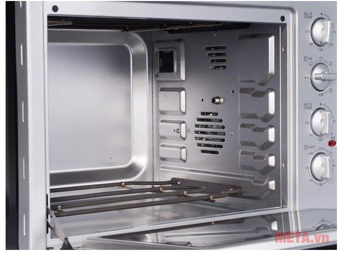 Lò nướng Panasonic NB-H3800SRA với khoang lò chất liệu cao cấp