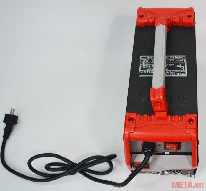 Máy hàn Inverter Btec MMA-250 Pro có trọng lượng 9kg