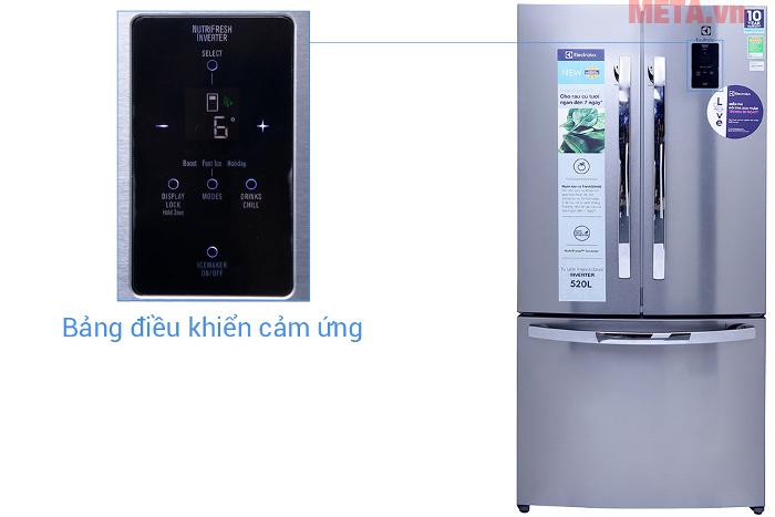 Tủ sử dụng bảng điều khiển điện tử, được thiết kế tiện lợi bên ngoài tủ lạnh