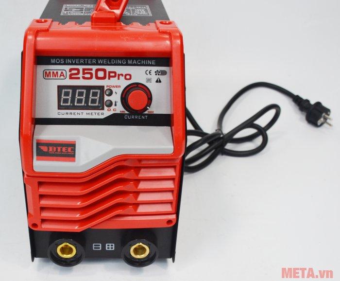 Máy hàn Inverter Btec MMA-250 Pro có phạm vi dòng hàn tới 200A