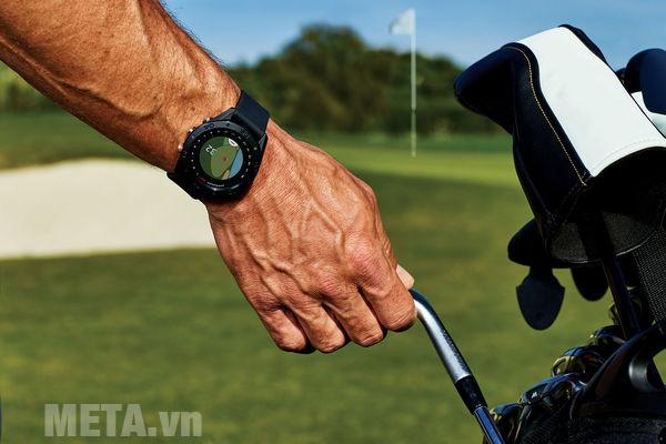 Đồng hồ Garmin Approach S60 có khả năng phân tích sân golf