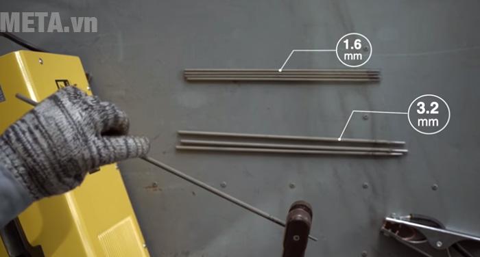 Máy hàn điện tử Hồng Ký HK 200A dùng hàn sắt