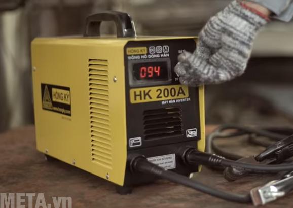 Máy hàn điện tử Hồng Ký HK 200A có công suất 7 kva