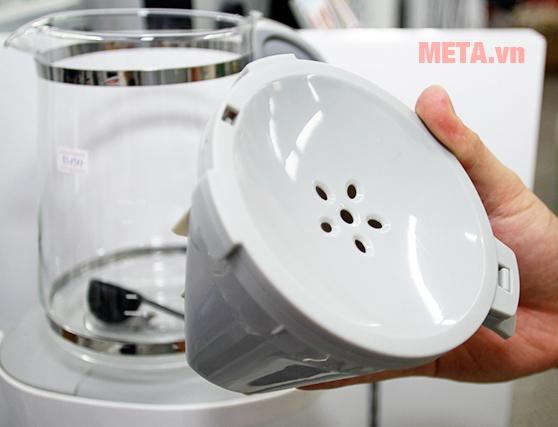 Nắp sử dụng chất liệu nhựa cứng