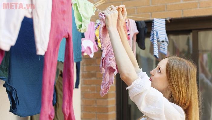 Mẹo giúp quần áo nhanh khô trong thời tiết mua, nồm trời