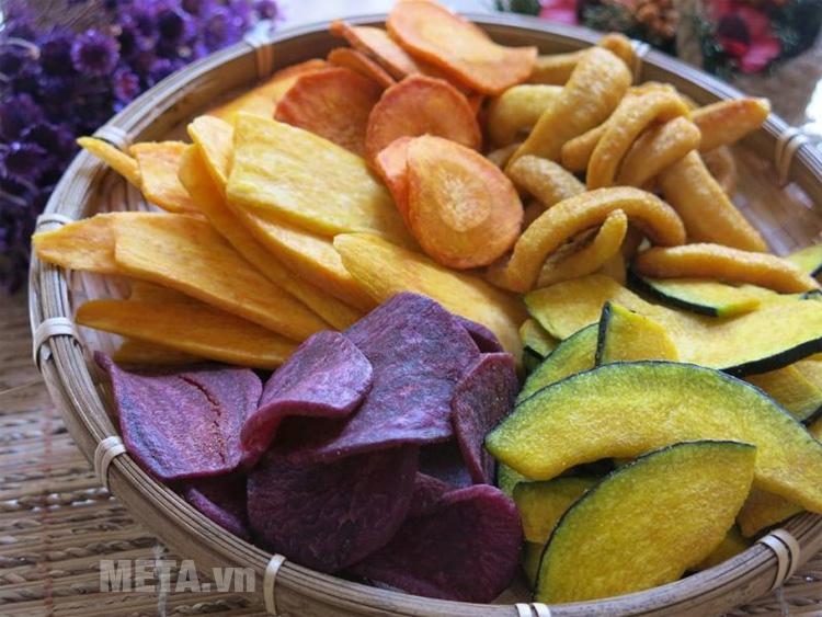 Các loại thực phẩm sau khi sấy thơm ngon, bổ dưỡng, tiện lợi bảo quản và vận chuyển.