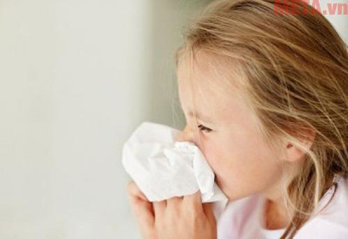 Thời điểm giao mùa bé rất dễ mắc các bệnh về đường hô hấp