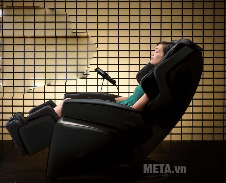 Ghế massage toàn thân Fujiiryoki JP-1000 có màn hình cảm ứng hiện đại