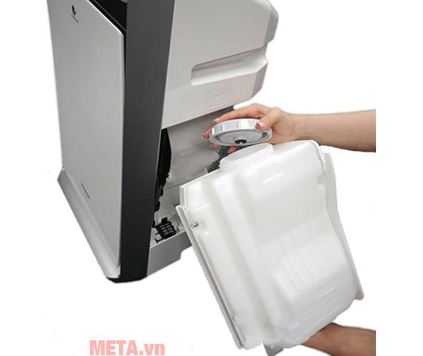 Bình nước của máy lọc không khí và tạo ẩm Panasonic F-VXK70A có dung tích 3,5L