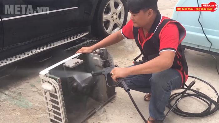 Máy rửa xe tự ngắt Jeeplus F8 có kết cấu máy rắn chắc