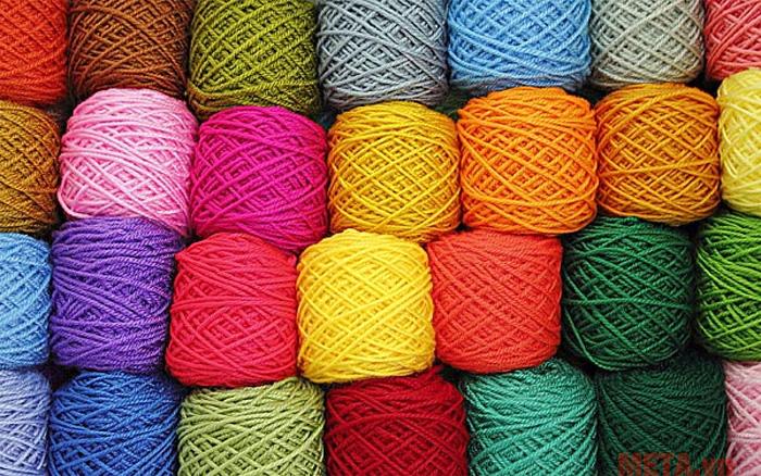 Quần áo làm bằng len có thể bị biến dạng khi sử dụng trong máy sấy, bạn nên cân nhắc điều này nhé
