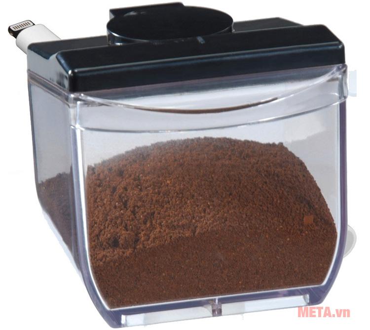 Hạt cà phê xay với máy xay cà phê Cloer 7560