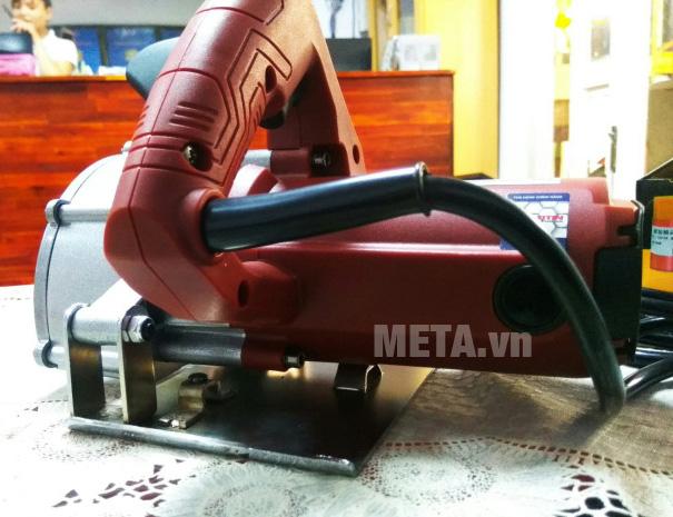 Máy cắt rãnh tường Btec bt211 có nút duy trì thao tác cắt
