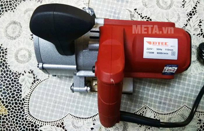Máy cắt rãnh tường Btec bt211 dùng nguồn điện 220V