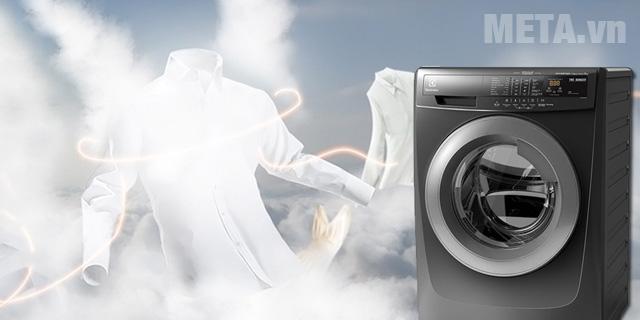 Máy giặt cửa trước có tính năng giặt hơi nước giúp giặt quần áo không bị nhăn nữa
