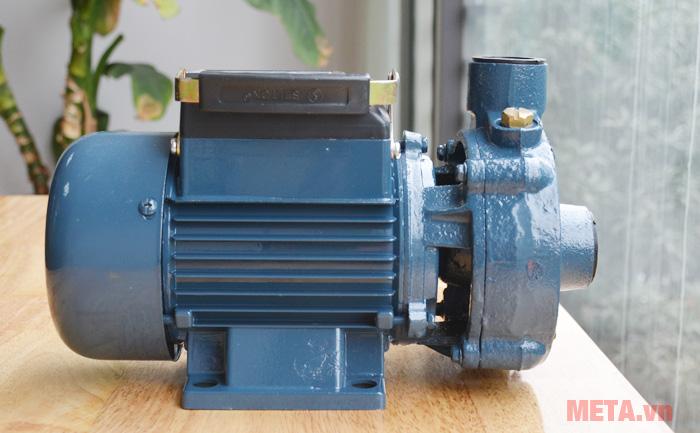 Máy bơm nước Selton ST17 thiết kế bơm nhỏ gọn dễ dàng di chuyển