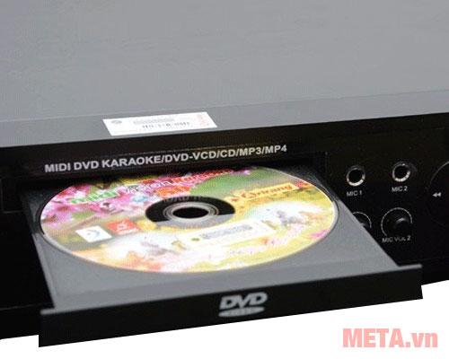 Đĩa vào đầu đĩa DVD
