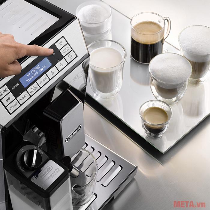 Máy pha cà phê tự động ECAM45.760.B có khả năng pha 2 ly cà phê espresso với 1 lần pha