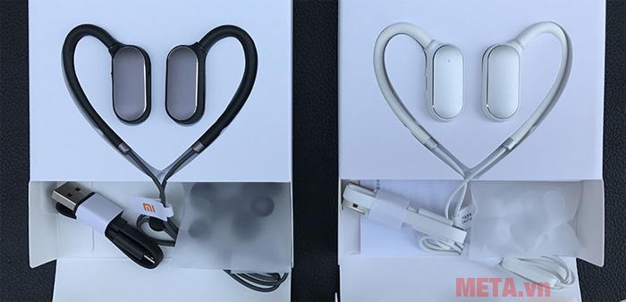 Tai nghe Bluetooth Xiaomi Mi Sport có màu đen và trắng
