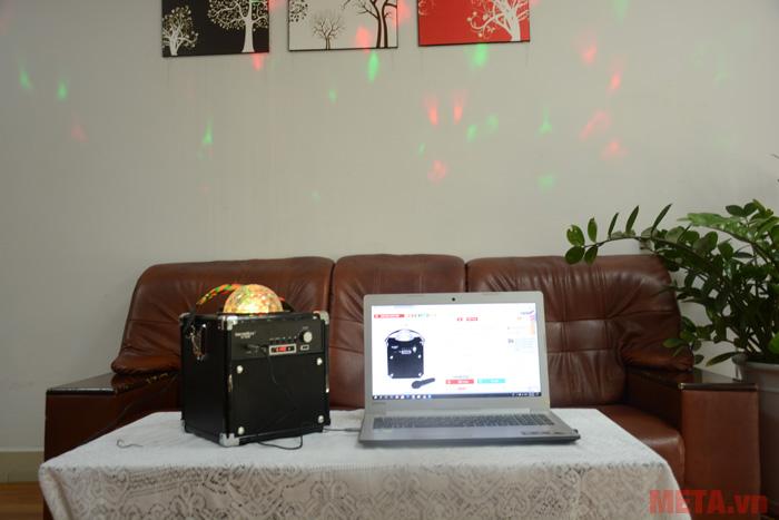 Ánh đèn tạo cho bạn không gian thưởng thức âm nhạc sống động